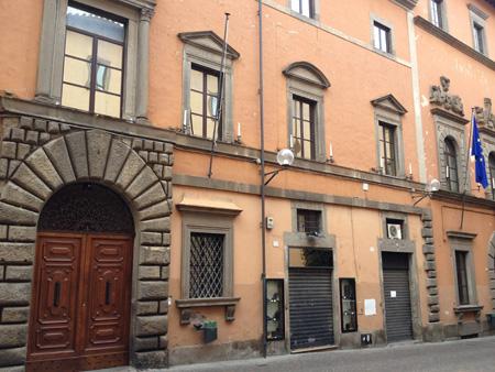 Scandalo Via Saffi: altro che Via Frattina, è una strada fantasma. Ed i posti di lavoro, la riqualificazione urbana?