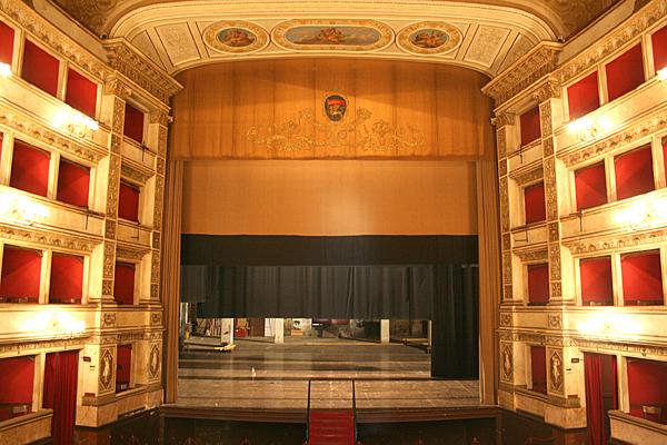 """""""E datemi il Teatro Unione""""…. """"Il Teatro Unione no no no no … Michelini rifiuta l'""""Unione"""" al Signor Rossi e Viva Viterbo se ne va"""