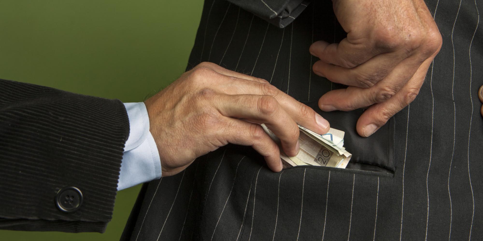 Marchettificio Viterbo: corruzione, conflitti di interesse giganteschi, affari sporchi, patti elettorali al ribasso, viaggio nel malaffare dilagante