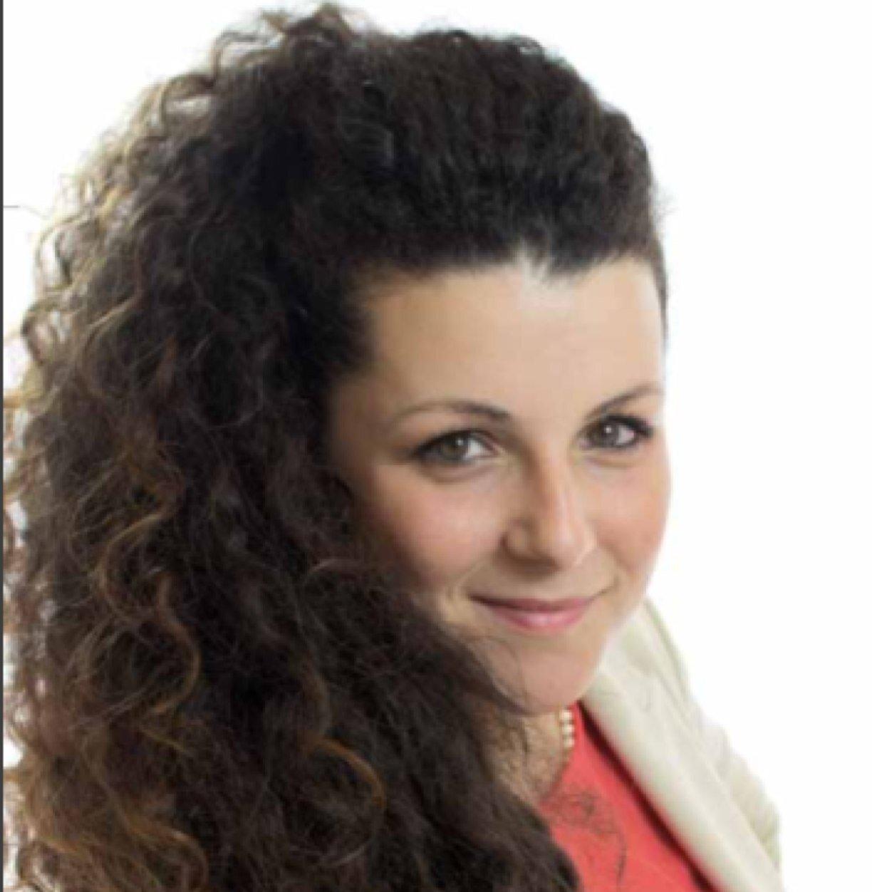 """Chiara Frontini, la """"movimentista partita dal basso"""" ha fatto centro: il ruolo importante della giovane """"capo-lista"""" in vista delle prossime comunali"""