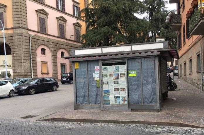 Una città in crisi: chiude anche l'edicola di Piazza della Rocca, i viterbesi se possono vanno via, cade il mito dell'appartenenza