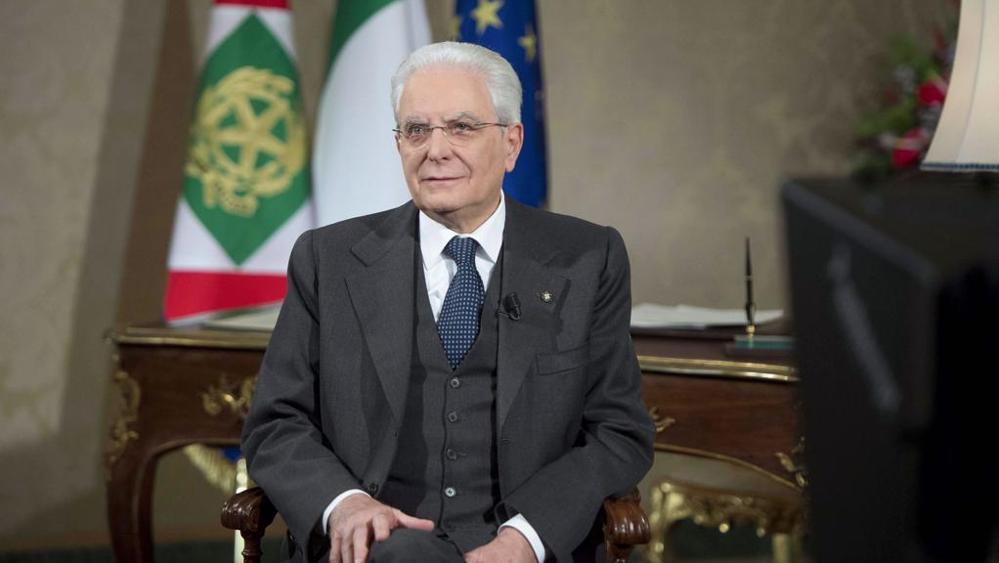 """""""Non possiamo vivere in un eterno presente, è ora di pensare al futuro"""": il discorso di fine anno del Presidente Mattarella"""