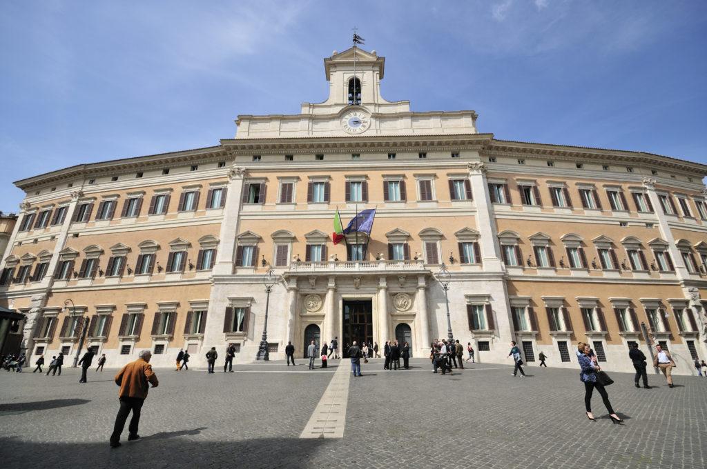 """Verso le politiche. """"alla ricerca di un posto sicuro"""", la guerra delle candidature in tutta Italia"""