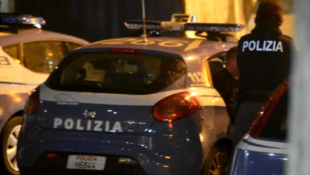 Molesta pesantemente turista nella toilette di un ristorante: denunciato 20enne di Viterbo