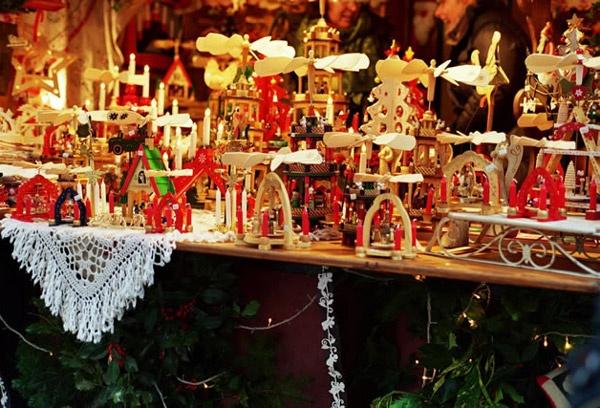 Christmas Village: ancora niente soldi per i lavoratori a 3 euro l'ora: tutti fermi all'anticipo minimo iniziale