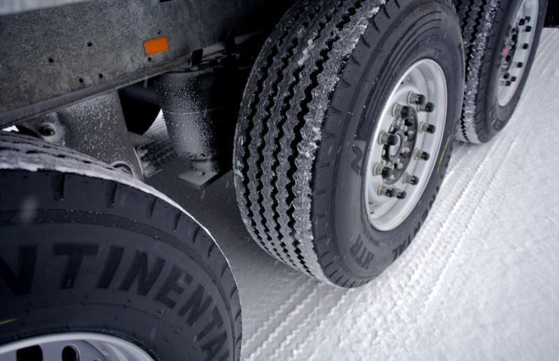 Viterbo, emergenza neve: il Prefetto vieta la circolazione fuori dai centri abitati ai mezzi pesanti dalle 22 di domenica