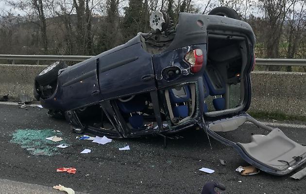 Grave incidente sulla statale 3 bis Tiberina verso Orte: due i feriti gravi