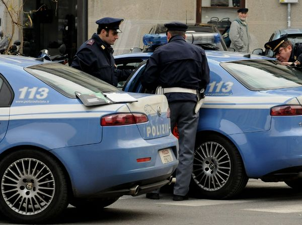 Droga, arrestato a Tor Bella Monaca pusher viterbese: nascondeva nello stomaco ovuli di coca ed eroina