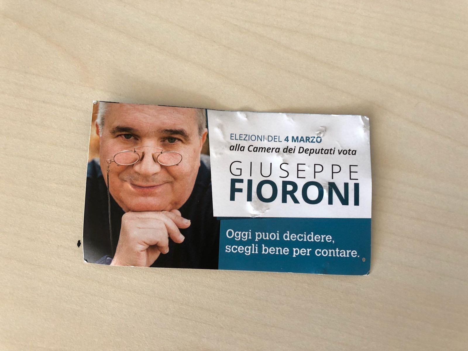 """Verso le politiche: quel """"santino"""" che gira di Peppe Fioroni senza simbolo di partito…. e il Pd?"""