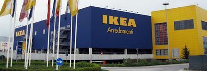 Assalto con i mitra a Ikea