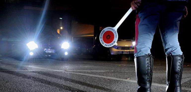 """Viterbo, allarme """"stragi del sabato sera"""": polizia in azione, controlli e test antidroga, 3 patenti ritirate"""