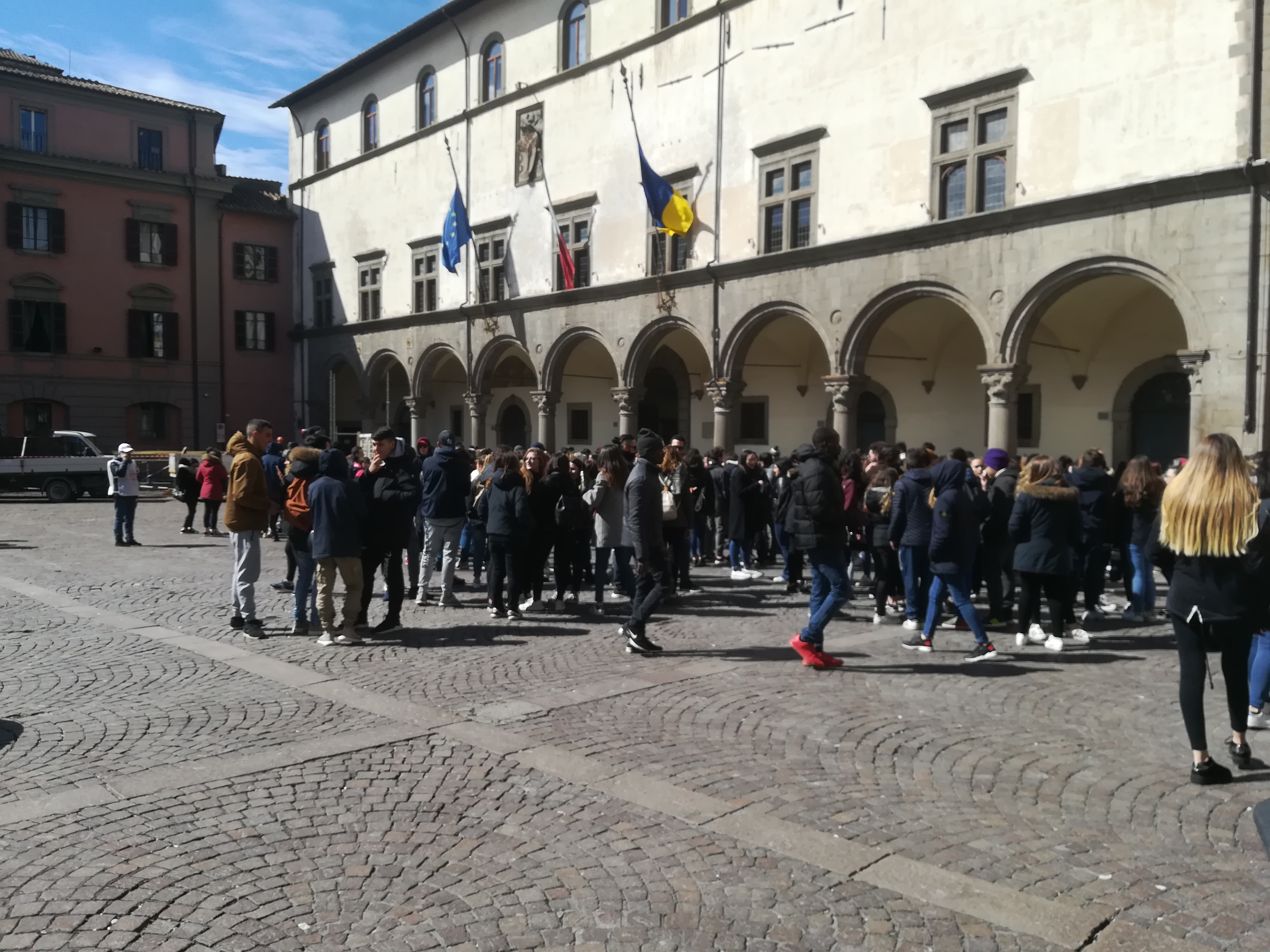 """L'evento: """"Pulizie di Viterbo"""", duemila studenti in giro per la città"""