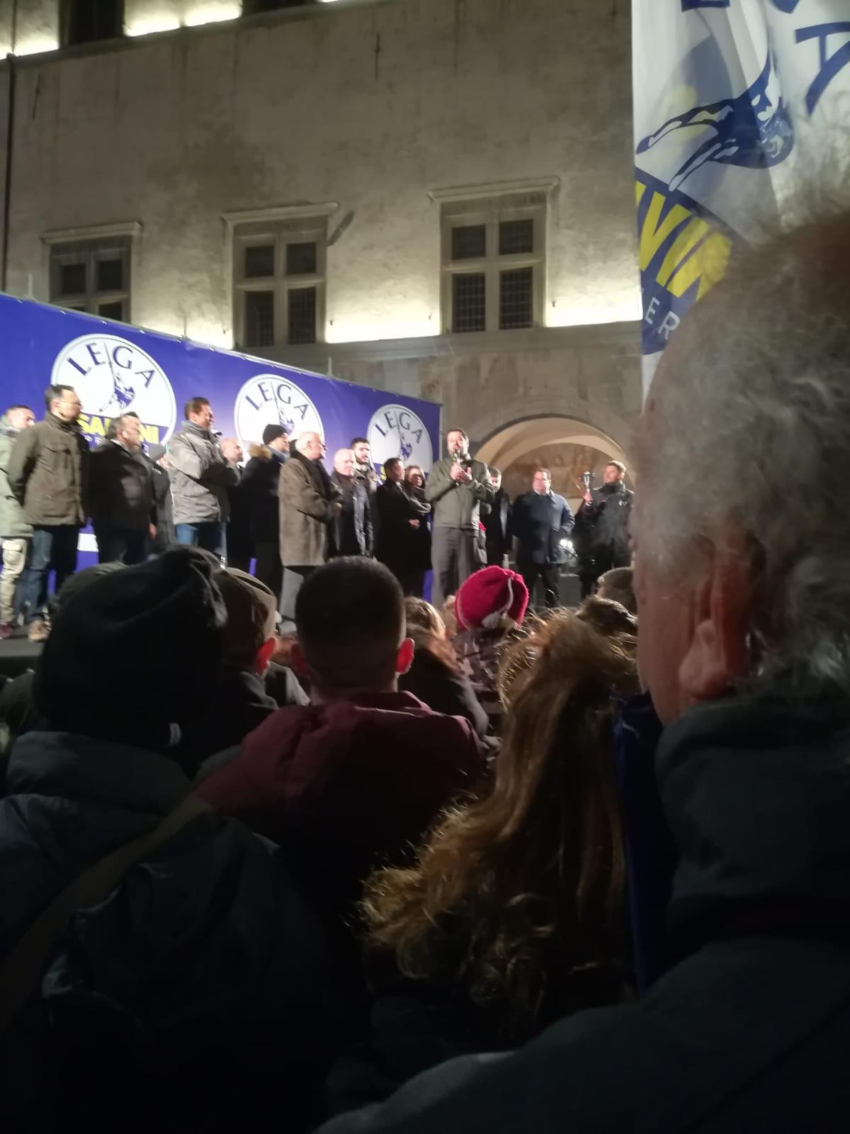 """La visita di Salvini: """"Voglio un sindaco leghista per Viterbo"""", nel freddo polare della città dei papi il giovin Matteo apre la gara per le comunali"""