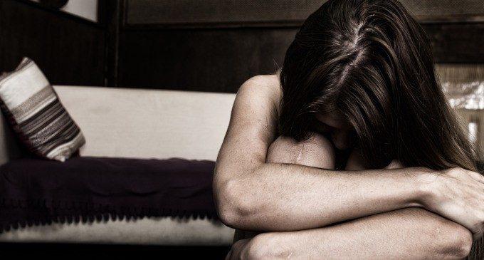 Viterbo, diventa amico di una ragazza in chat, ma al primo incontro la violenta: arrestato 28enne della provincia