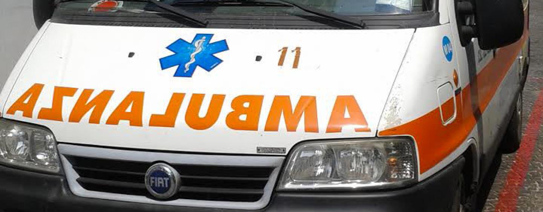 Scontro tra due auto nei pressi di Montefiascone, muore una donna