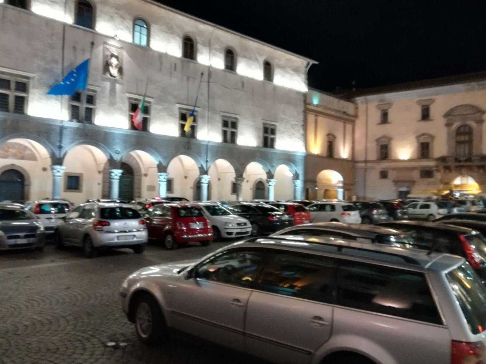 """Fantascientifico a Viterbo: il primo """"autosalone open"""" in Piazza del Plebiscito per voi ogni sabato sera"""