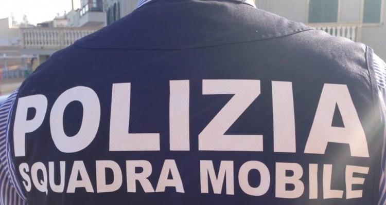 Viterbo, possesso illegale di armi e maltrattamenti in famiglia: due arresti della Squadra Mobile