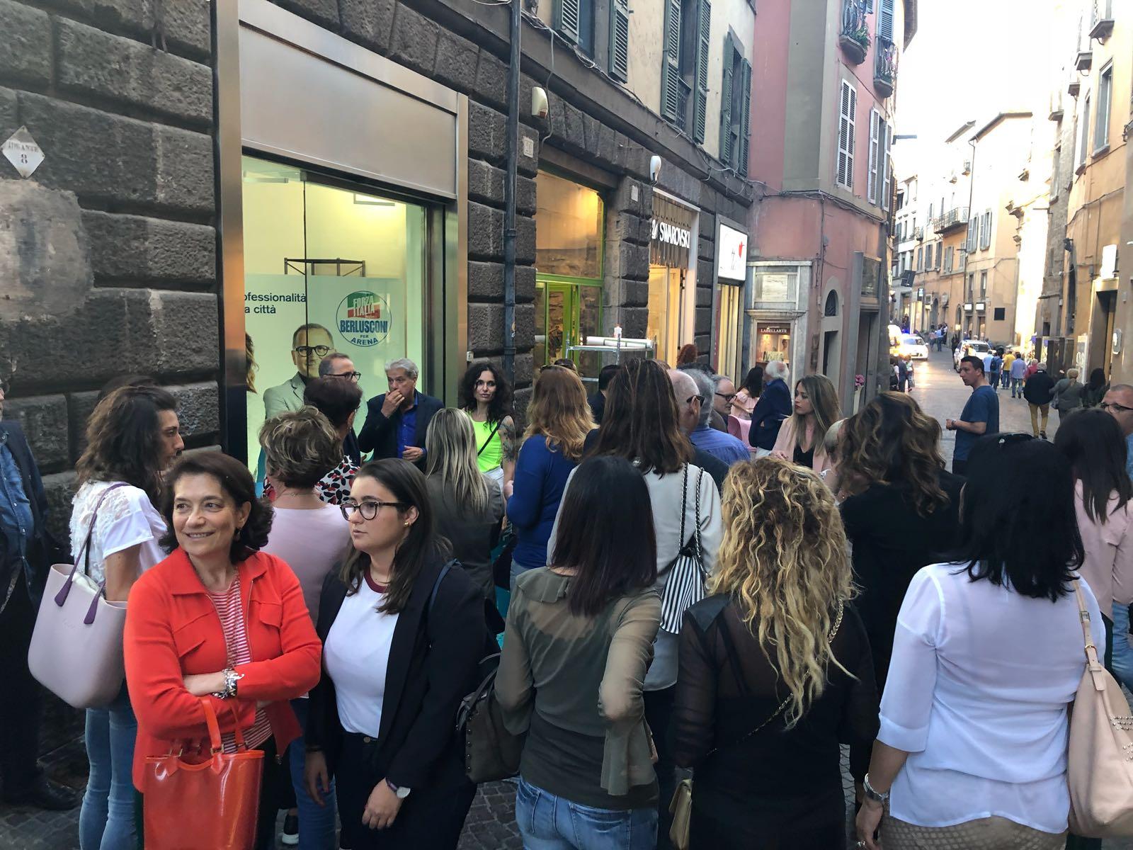 Comunali: centrodestra, inaugurato in Corso Italia il comitato elettorale di Fabrizio Purchiaroni e Paola Bugiotti (F.I.)