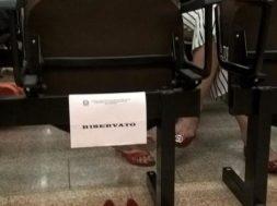Femminicidio: le scarpe di Giulia Ballestri, simbolicamente nell'aula del processo al marito Matteo Cagnoni