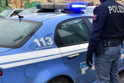 Viterbo, centro storico ore 12: donna dà in escandescenze e si barrica in casa