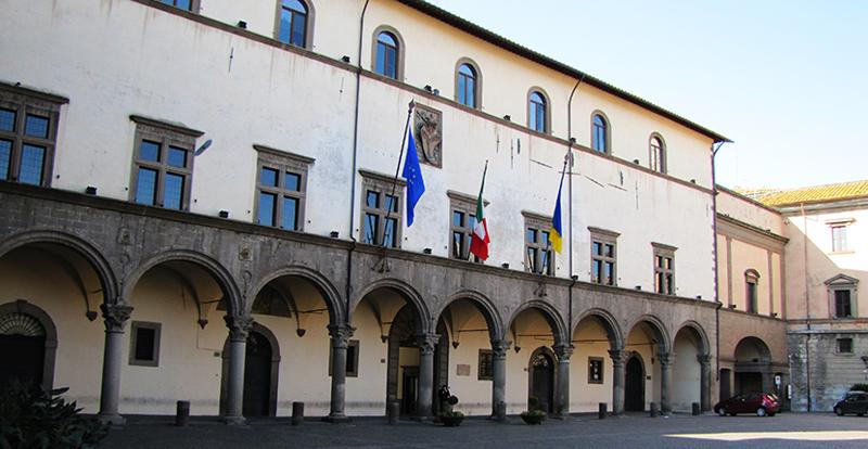 Viterbo, commercianti morosi affittuari di locali comunali, nuovi controlli ferrei da Palazzo dei Priori