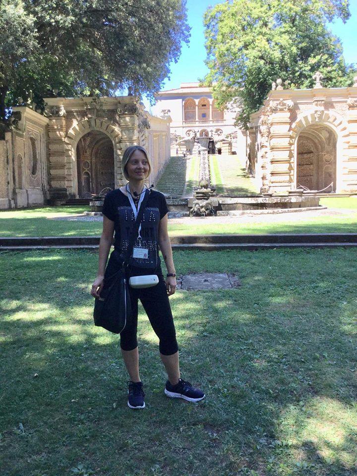 """Via San Lorenzo, la voce di una """"guida turistica"""", Valentina Berneschi: """"Da piazza Plebiscito a salire  tutto """"chiuso"""",  non c'è alternativa"""""""