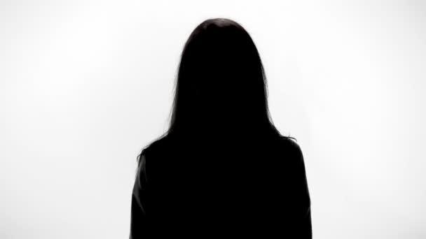 """La """"casta viterbese"""" soffoca la città: storia di A.C., 45 anni, laureata (due volte), """"forestiera"""", da 15 anni a Viterbo senza lavoro"""