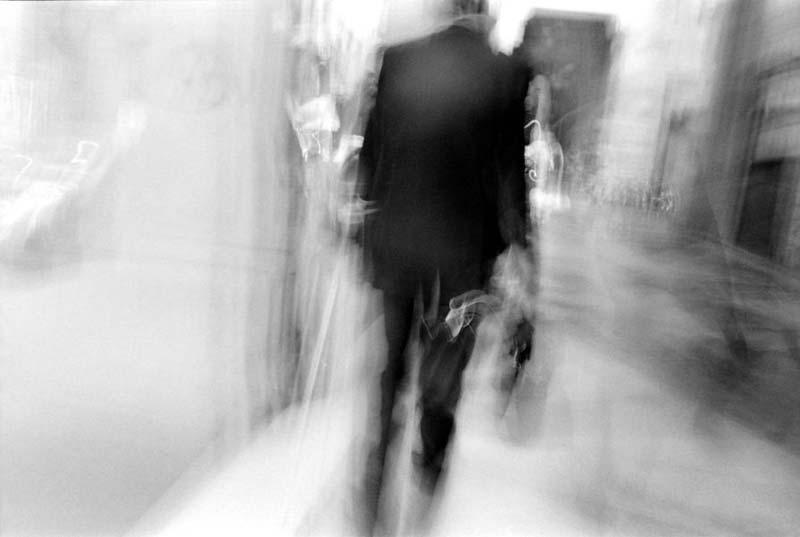 """Viterbo, la """"casta"""" soffoca la città: la storia di S.D., 62 anni, consulente informatico con eccellente curriculum, da 12 anni a Viterbo, costretto a girare l'Italia per vivere"""