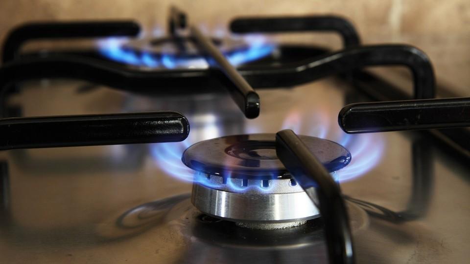 Vita italiana: pesante rincaro dell'energia elettrica (7, 6%) e del gas naturale (4, 7%), sempre più spese per le famiglie