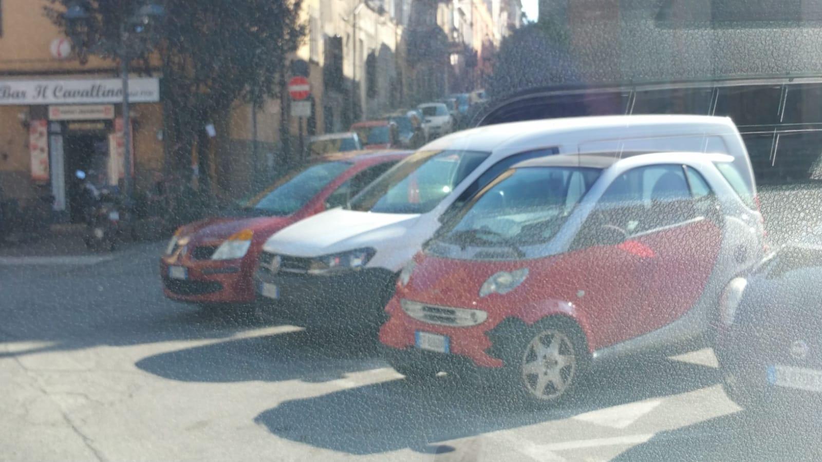 Parcheggio selvaggio: il modello piace anche a Bagnaia, le frazioni emulano il centro