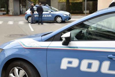 Tarquinia, poliziotti salvano anziana donna colta da malore