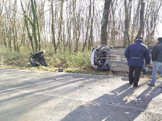 Civita Castellana, si scontrano al Quartaccio un' auto ed un furgoncino, grave il conducente della vettura