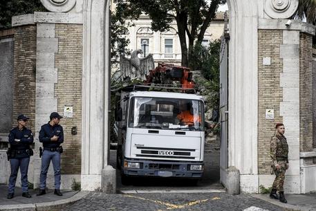 Roma, le ossa trovate in Vaticano: i resti di Emanuela Orlandi e di Mirella Gregori o di nessuna delle due? Il dna risolverebbe tutto in una settimana