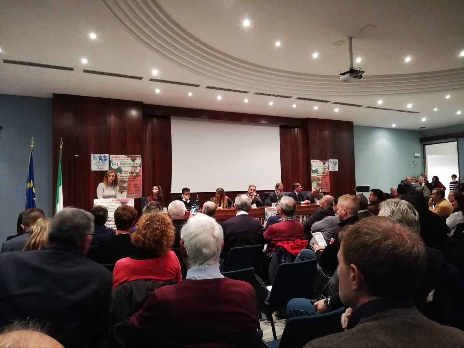 """Viterbo, più di 200 persone alle Terme dei Papi per l'incontro con lo """"zingarettiano"""" Bruno Astorre"""