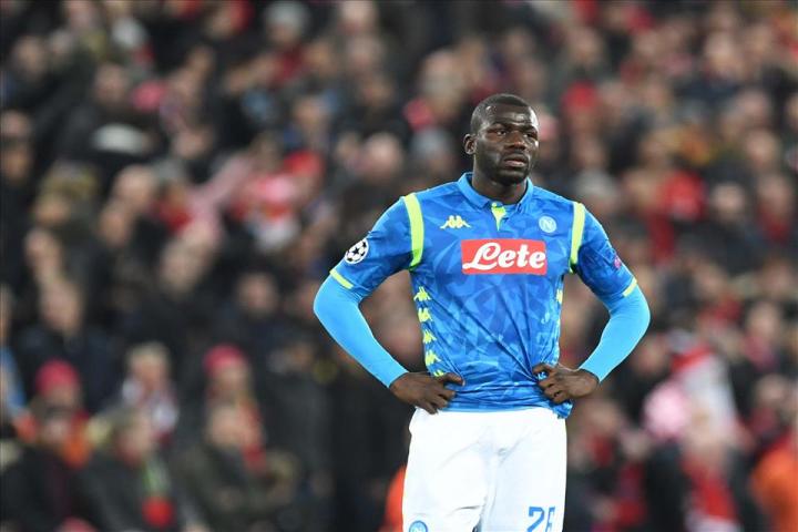 Calcio malato, razzismo  e morte a Milano, ma nessuno ferma il giocattolo rotto