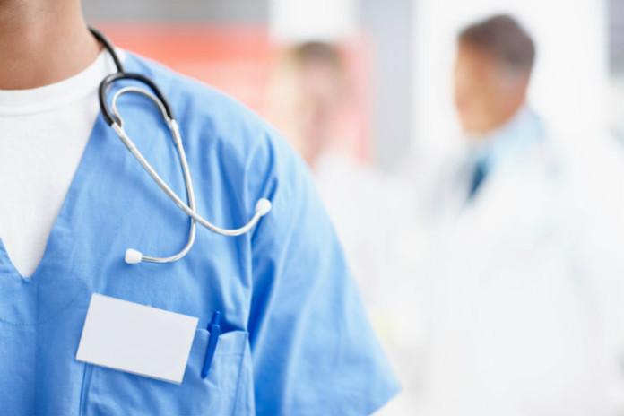 """Sanità privata, """"i lavoratori non vedono un rinnovo da 12 anni"""", la protesta Uls"""