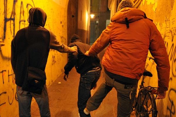 """Viterbo violenta, il """"branco colpisce"""" nella città deserta e omertosa, attenzione al  rischio """"teppismo locale"""""""
