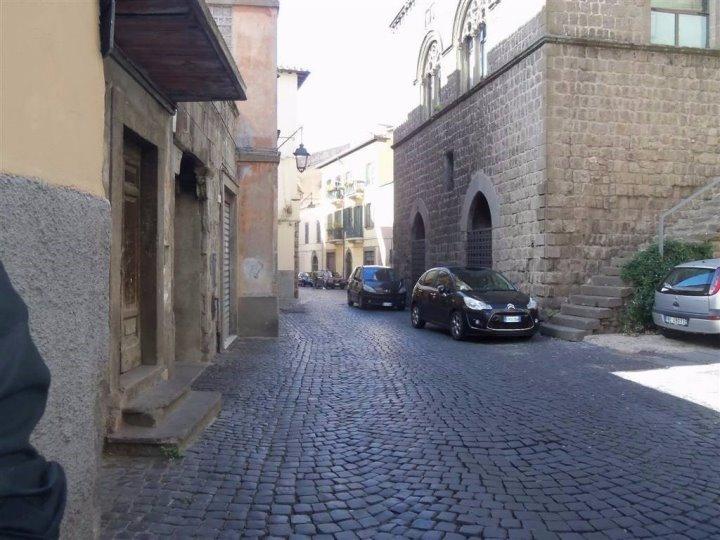 Viterbo, riaperta al traffico via Cardinale Le Fontaine