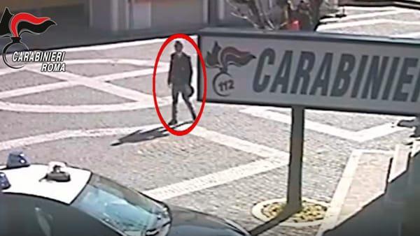 Cronaca di Roma: si vestiva da poliziotto per amore di una donna, arrestata 53enne falsa guardia