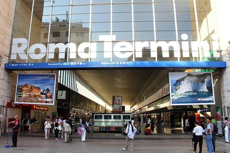 Roma, Termini: guasto ad una scala mobile e fumo in stazione, impianto chiuso