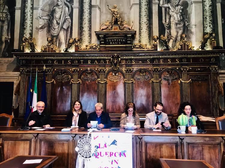 """Viterbo-Turismo: Bianchini, De Simone, Arena, per il """"partito unico"""" di Palazzo dei Priori va sempre tutto bene e chi non è d'accordo """"non si deve lamentare, ma spegnere il cellulare e dare una mano"""""""