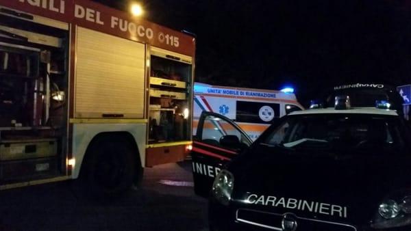 Roma, incidente nella notte su via Tuscolana:  scontro auto-furgone nella notte, muore ragazza di 24 anni