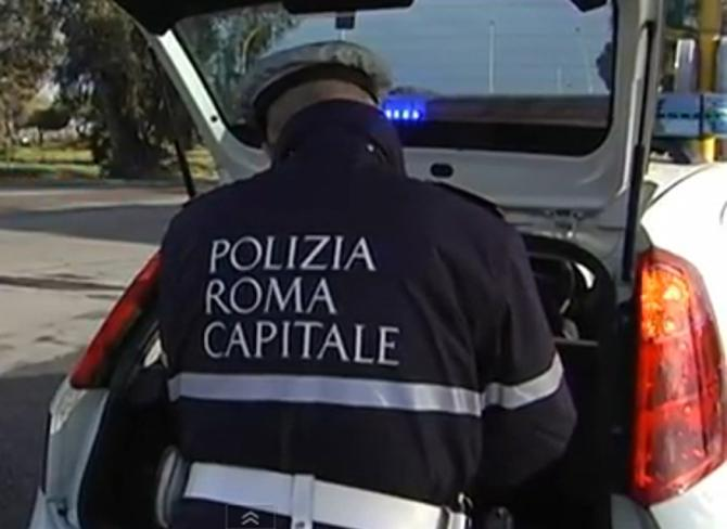 Roma, incidente in via Ostiense: investito da un'auto  muore 51enne