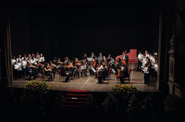 Viterbo-Comune, scuola musicale: bando comunale per 4 posti nel consiglio di amministrazione, il Comune non pubblicizza, perchè? Posti già assegnati?