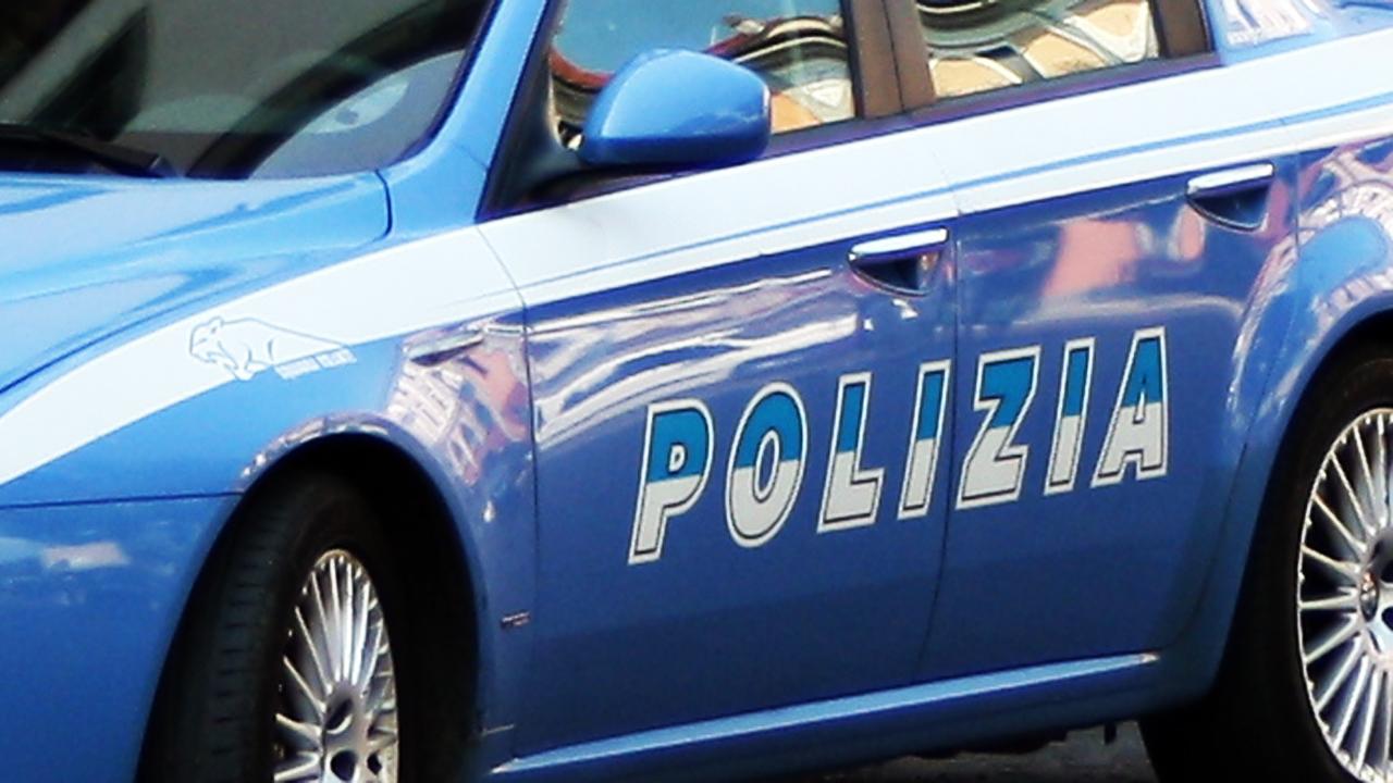 Viterbo, tenta di spacciare droga nei pressi di una scuola, Polizia arresta 53enne