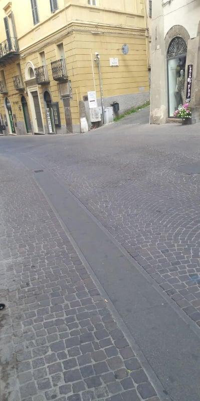 """Viterbo-Comune: ore 17 di domenica 23 giugno, corso Italia è un deserto, nella """"città d'arte e cultura"""" non volano più neanche le farfalle (sono andate via sbadigliando)"""