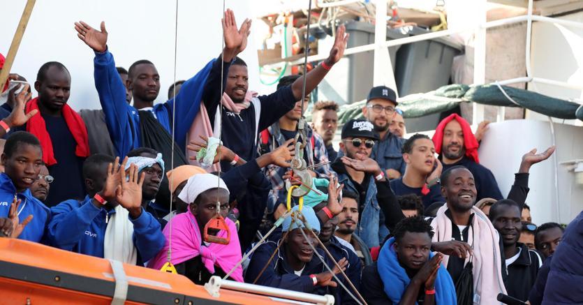 """Offensiva tedesca per spedire più migranti in Italia: la clamorosa inchiesta di """"Repubblica"""""""