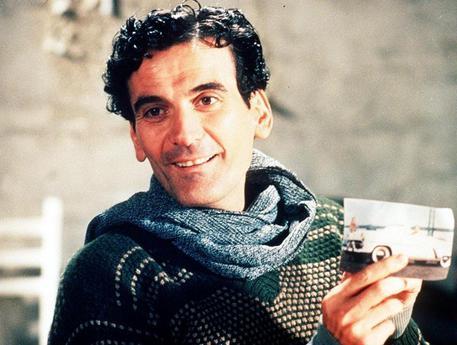 Ricorrenze: 25 anni fa moriva a Roma Massimo Troisi