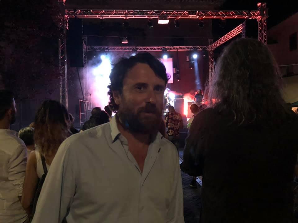 """Viterbo-Comune: """"Sto lavorando ad un grande concerto gratuito di musica in piazza per Santa Rosa"""", l'assessore Marco De Carolis racconta il suo amore per la musica dal vivo a cittapaese.it"""
