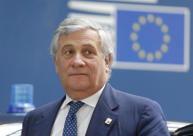 """Viterbo, vietato dai coordinatori nazionali si apre oggi il congresso provinciale di Forza Italia: Tajani anche lui """"proprietario feudale"""" del suo partito nella città emarginata dal mondo"""